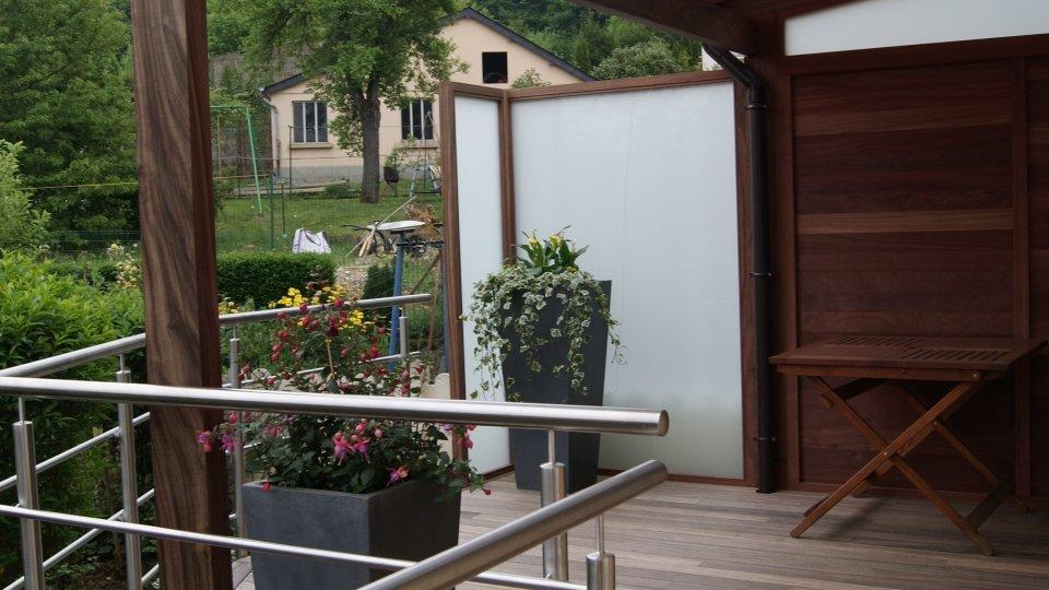 photos menuiserie padouk ambiance bois fourniture et pose de terrasse parquet en bois exotique. Black Bedroom Furniture Sets. Home Design Ideas