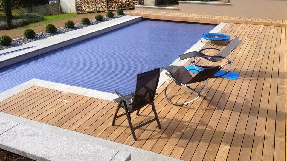 Plage de piscine à fixation invisible Hard Wood Clip