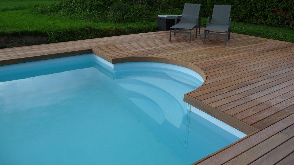Plage de piscine à fIxation invisible Softline